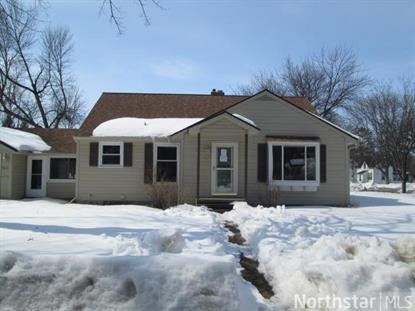 406 Merrill St SW, Hutchinson, MN 55350