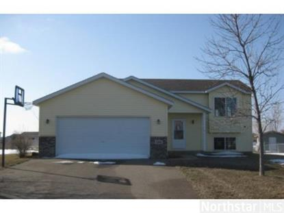 1415 10th Ave Se, Cambridge, MN 55008