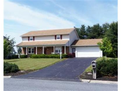 562 Red Rose Dr, Manheim, PA 17545