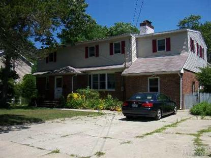 33 Circuit Rd, Bellport, NY