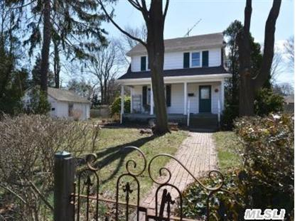 420 Moriches Rd, St James, NY
