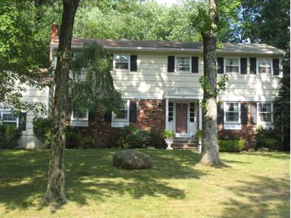 5 Shenandoah Dr, North Caldwell, NJ 07006