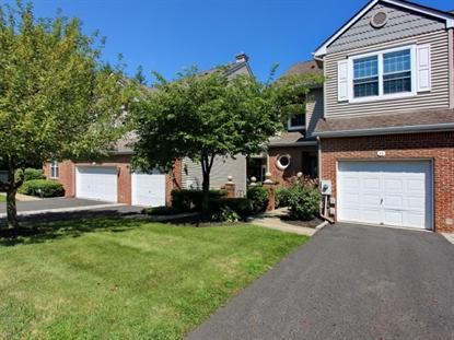 24 Meeker Ct, Roseland, NJ 07068